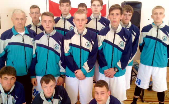 Команда уральских баскетболистов в Собинке