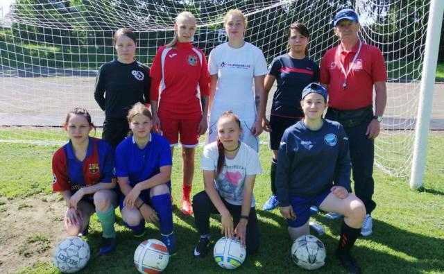 Уральская футбольная команда готовится к поездке в Индию